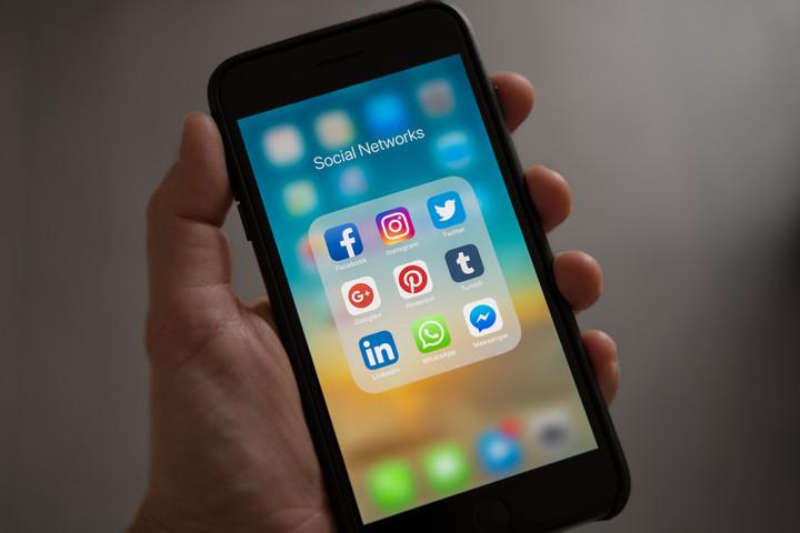 Saját univerzumot építenek a közösségi médiaóriások