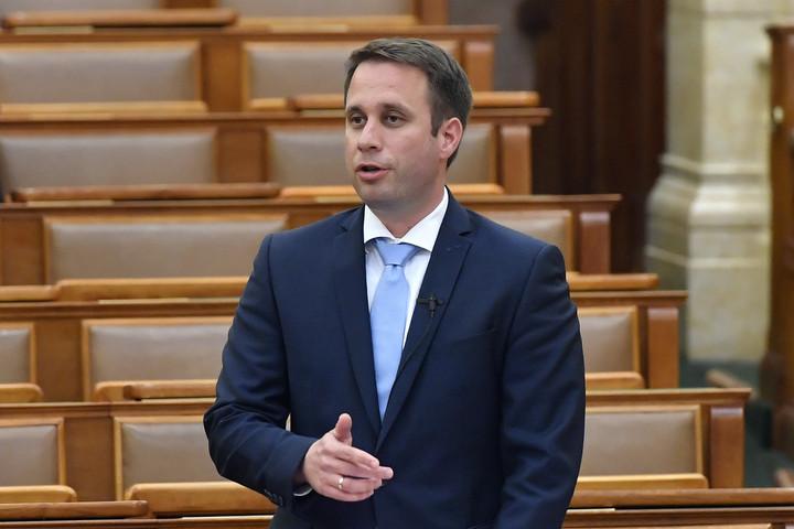 Dömötör: A Gyurcsány-párt álhírjáratán továbbra sincsen fék