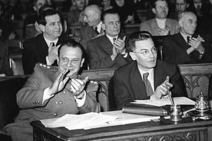 A békediktátum pártos értelmezése 1945 után