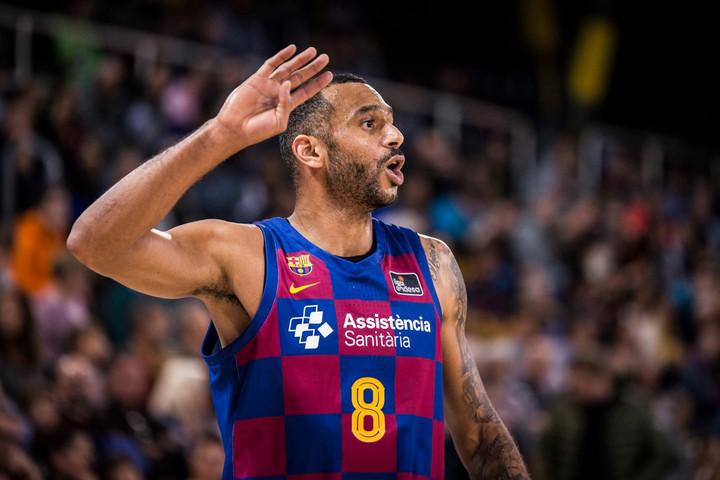 A remeklő Hanga Ádám vezérletével ismét győzött a Barcelona