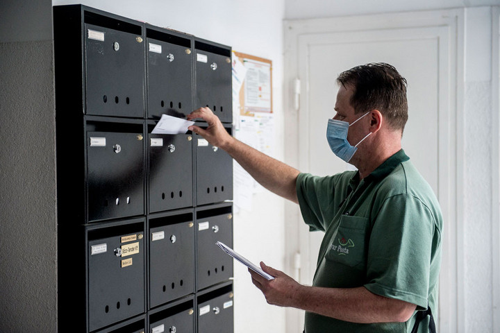 Veresegyházán is DK-sok dobálják kukába a konzultációs íveket