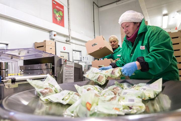 Közel 120 ezer munkahely megtartását teheti lehetővé a bértámogatási program