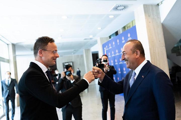 Szijjártó: Brüsszel kössön új migrációs megállapodást Ankarával!