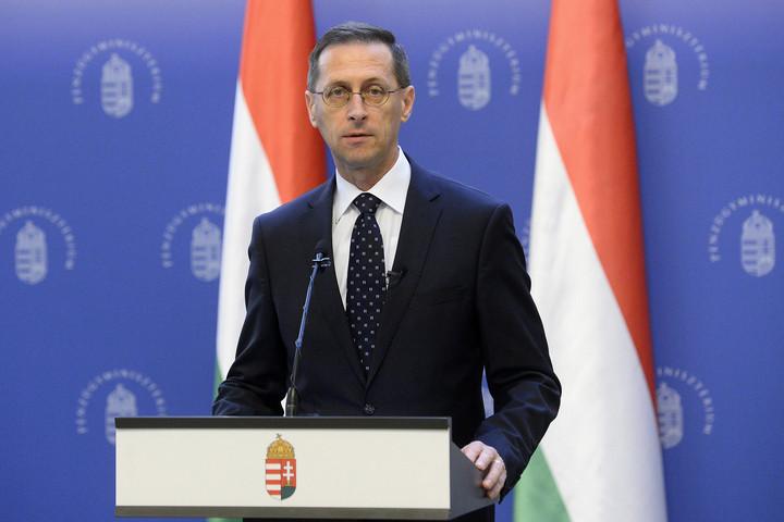 Varga Mihály: Százmilliárd forint fejlesztési forrásra pályázhatnak a kkv-k