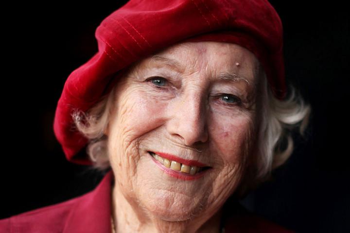 Elhunyt Vera Lynn, a háborús hős brit énekesnő