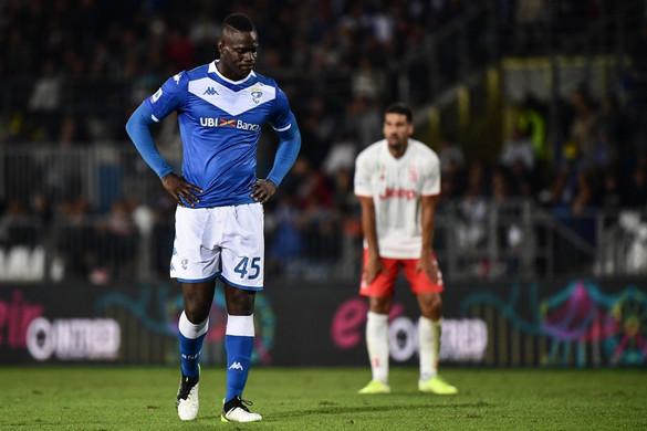 A Brescia kirúgta Mario Balotellit