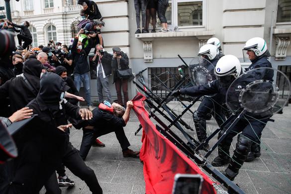 Brüsszelben vízágyút is be kellett vetni az erőszakos tüntetők ellen