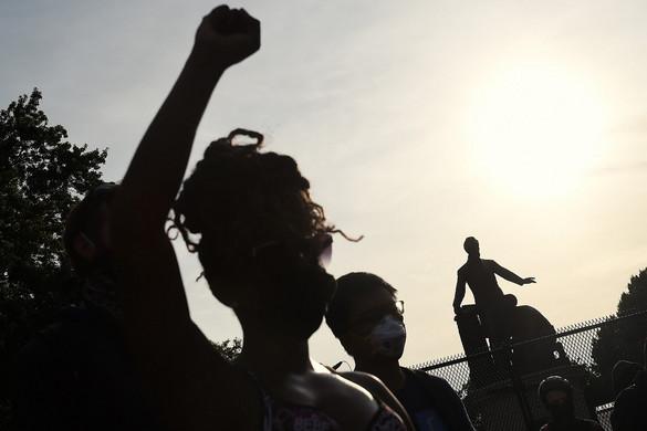 Washington segítséget vár a közösségi oldalaktól az erőszak terjedésének megfékezésében