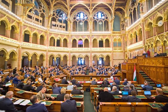 Rendkívüli parlamenti ülés összehívását kezdeményezi Semjén Zsolt