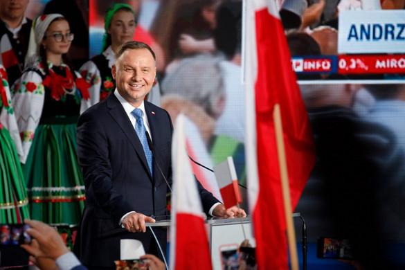 Hivatalos: Andrzej Duda nyerte a lengyel elnökválasztás első fordulóját