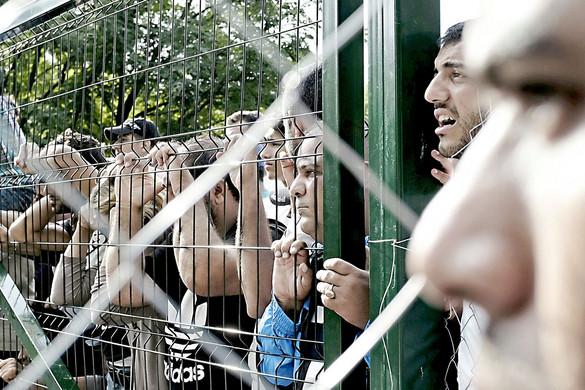 Egyre körmönfontabb módon támadnak a migránspártiak