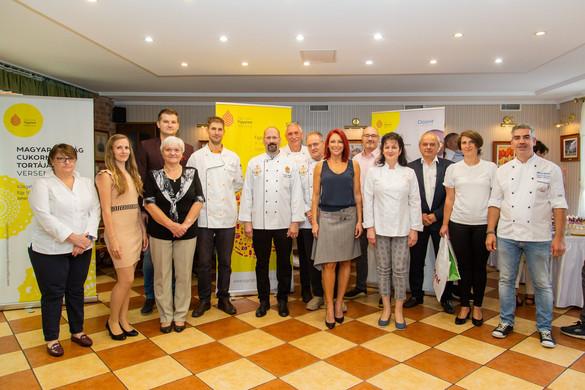 Öten jutottak a Magyarország cukormentes tortája verseny döntőjébe