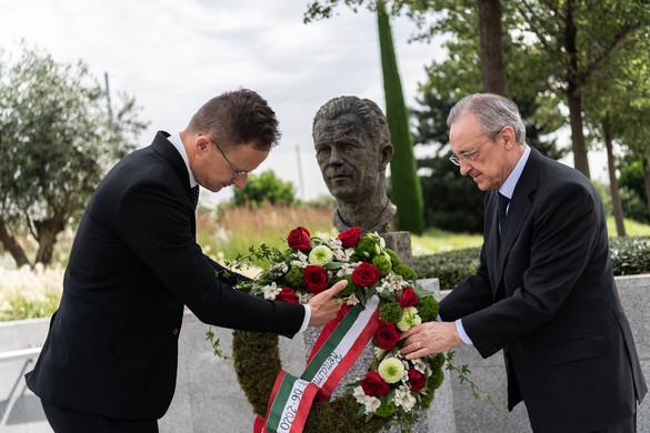 Puskás Ferencre emlékezett Szijjártó Péter Madridban
