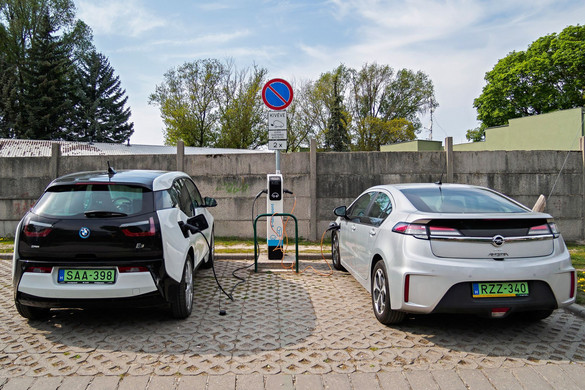 Az önvezető autók fejlesztése kormányzati támogatást kap