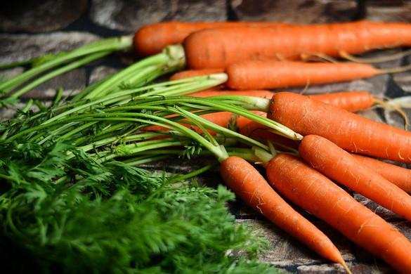 7 tipp, hogy ne vesszen kárba a sárgarépa zöldje