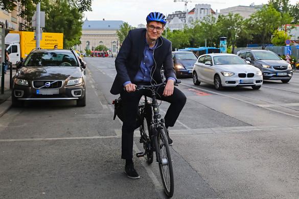 Kudarc lett Karácsony biciklisávos ötlete