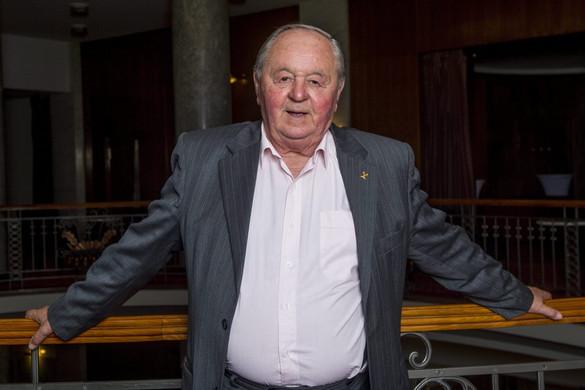 Elhunyt Kárpáti György