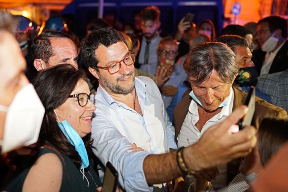 Ismét kiosztotta Matteo Salvini  a Conte-kormányt