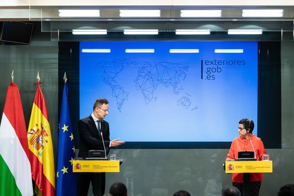 Szijjártó: Komoly kockázatot jelentene egy újabb migrációs hullám