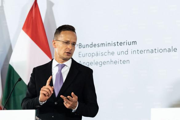 Szijjártó: Az EU ne korlátozza a beruházások állami támogatását