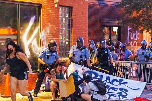 Minneapolis feloszlatja a rendőrséget