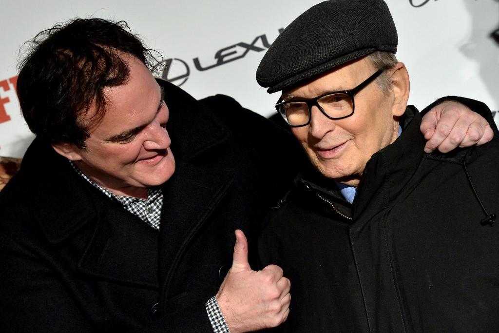 Ennio Morricone (j) és Quentin Tarantino (b)