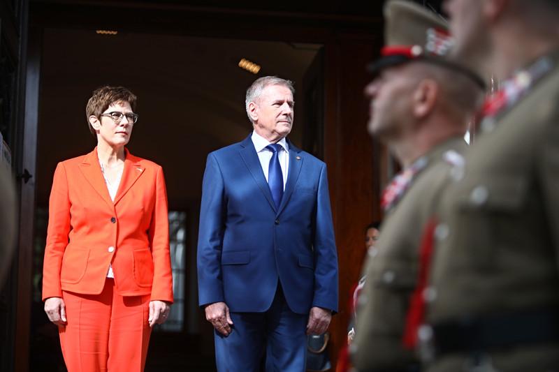 A felek egyetértettek abban, hogy a közös európai védelmi politika jól működik