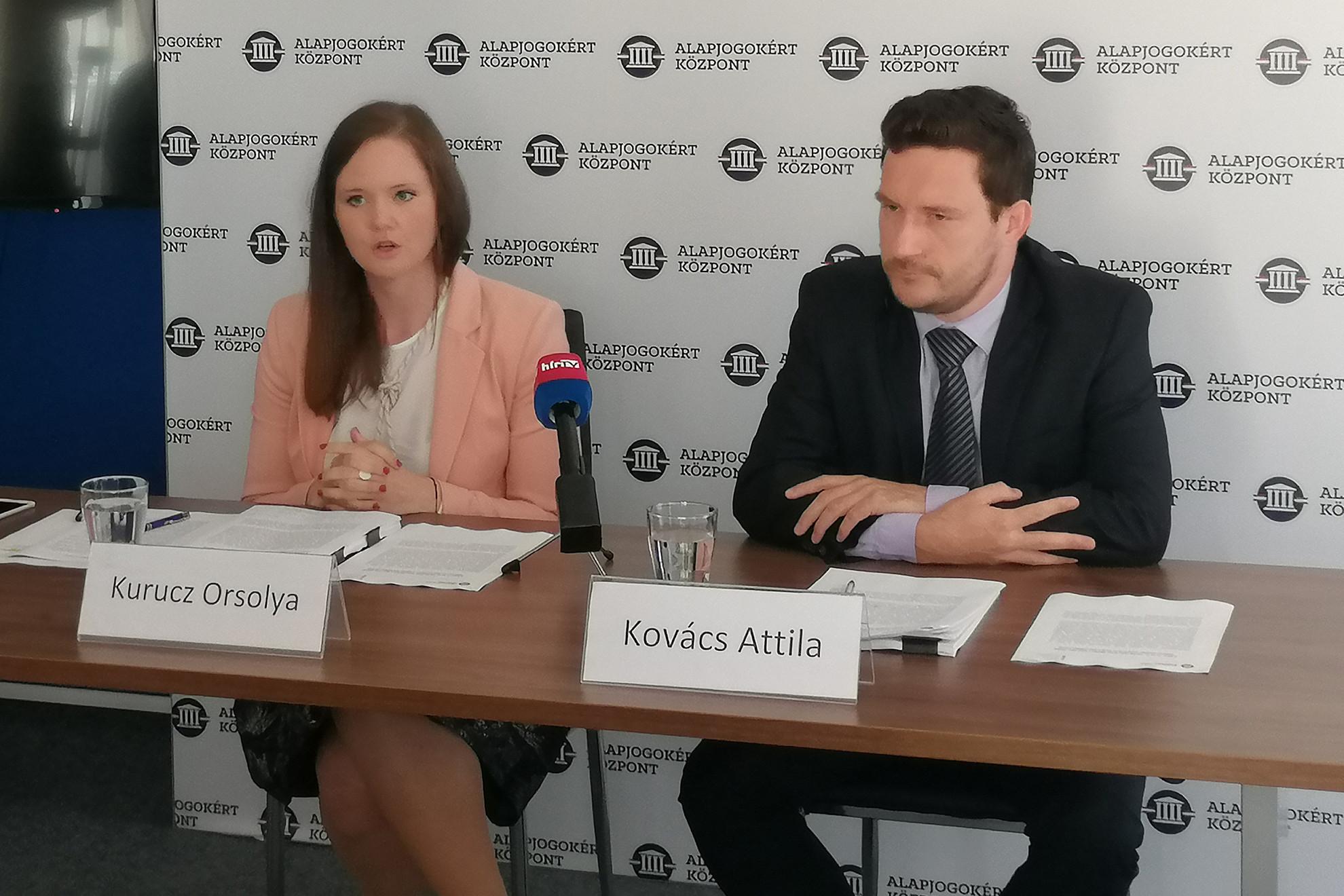 Kurucz Orsolya, az Alapjogokért Központ projektvezető-helyettese és Kovács Attila, az Alapjogokért Központ projektvezetője