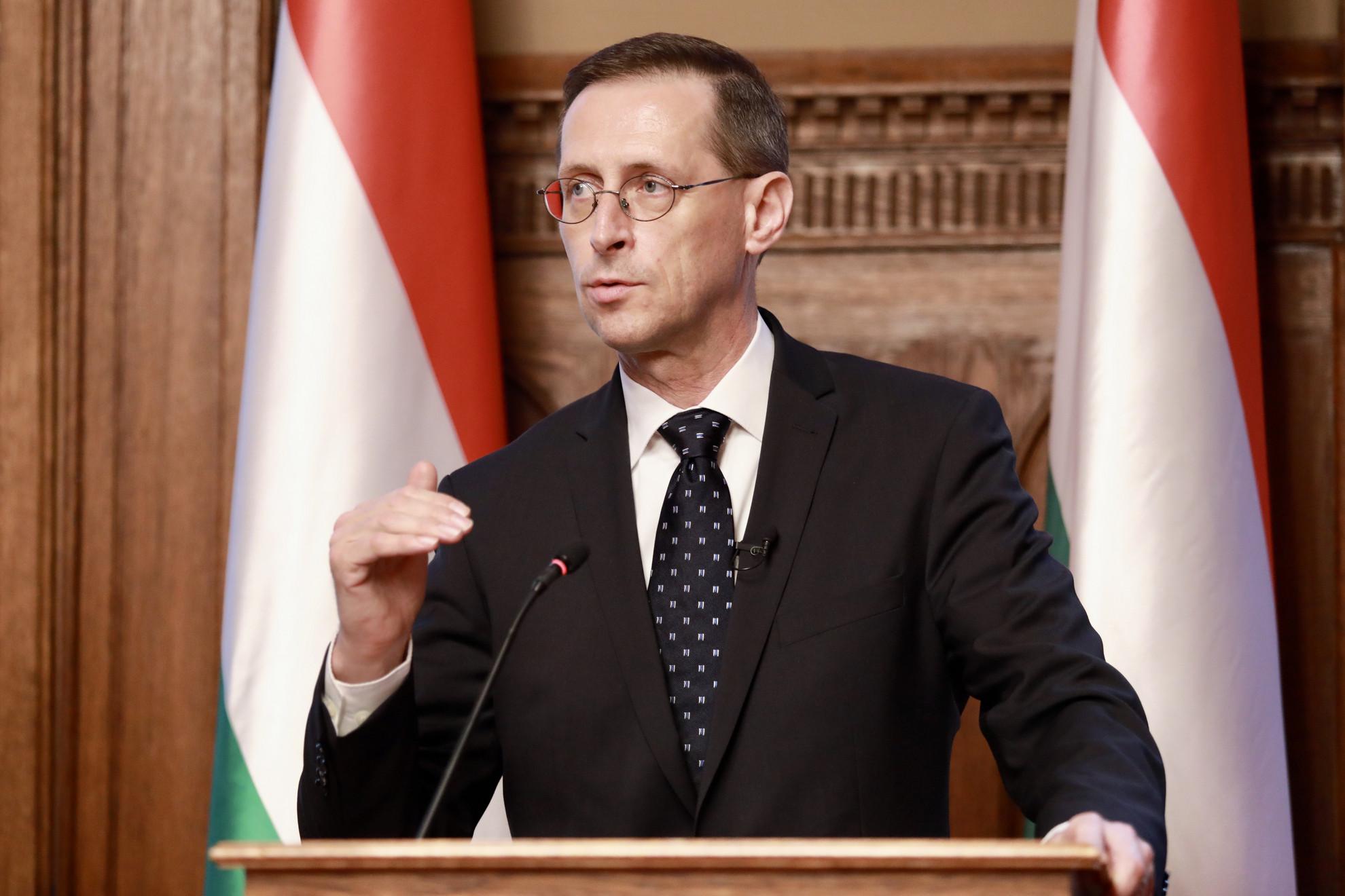 Varga Mihály pénzügyminiszter a költségvetés elfogadása után tartott budapesti sajtótájékoztatón