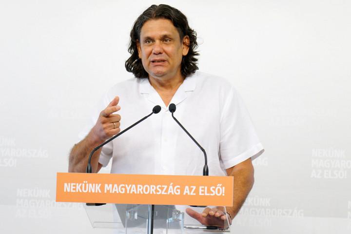 Deutsch: Az EU tisztviselőit és intézményeit tudatosan félrevezetik a baloldali magyar politikusok