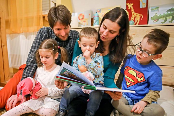 Kiemelkedő támogatást kapnak amagyar családok tanévkezdéskor