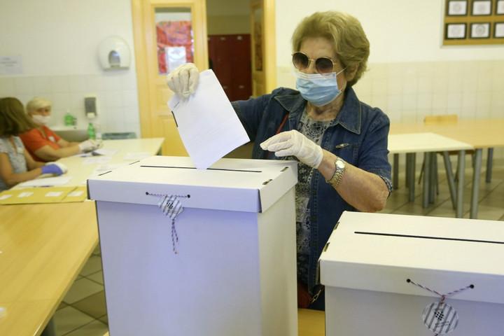 Előrehozott parlamenti választásokat tartanak Horvátországban