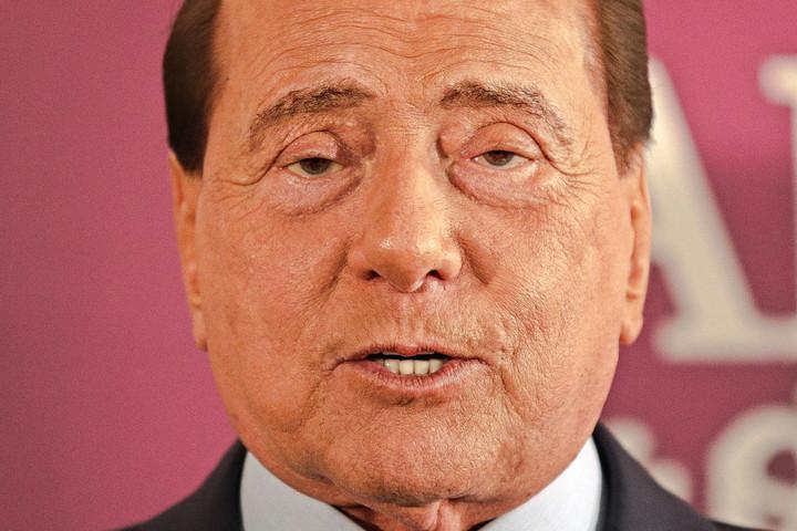 Jogtalanul ítélhették el Silvio Berlusconit