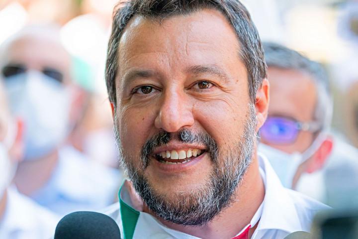 Salviniék előnyben