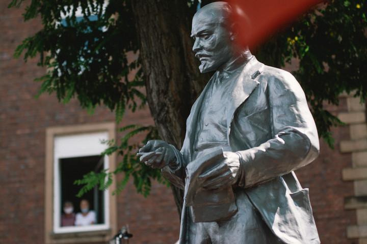 """""""Elfogadhatatlan az Európai Bizottság hallgatása a német Lenin-szoborról"""""""