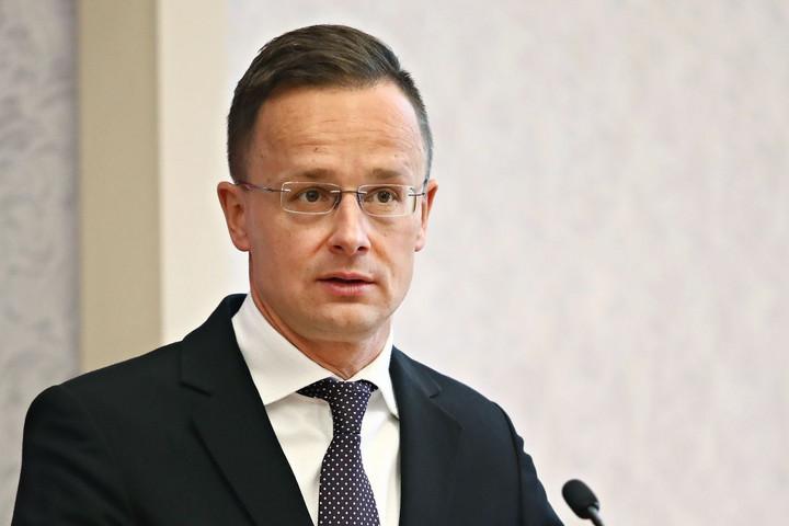 Szijjártó: Minden magyart biztonságban kell tudnunk