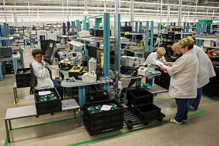 Egy hónap alatt 15 ezerrel csökkent az álláskeresők száma
