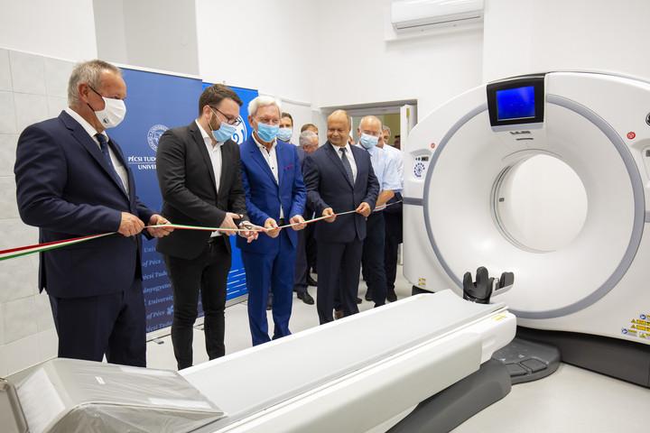 A vírus okozta elváltozást is kimutatni képes CT-t adtak át