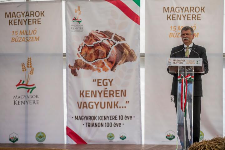 Kövér: A nemzet emelkedését szolgáló politikát a magyar öntudatra kell építeni