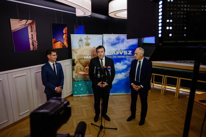 A magyar gazdaság elkezdett újra nagyobb fokozatba kapcsolni