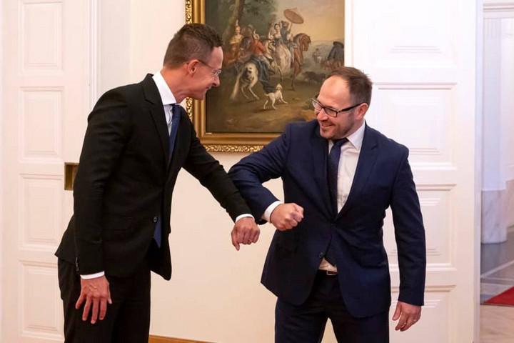 Közép-Európa versenyképességének javításához erősíteni kell az országok közötti összeköttetéseket