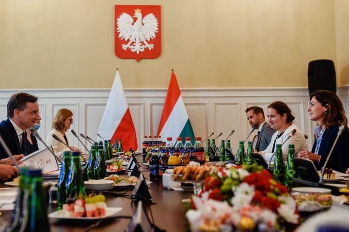 A lengyel igazságügyi miniszterrel tárgyalt Varga Judit