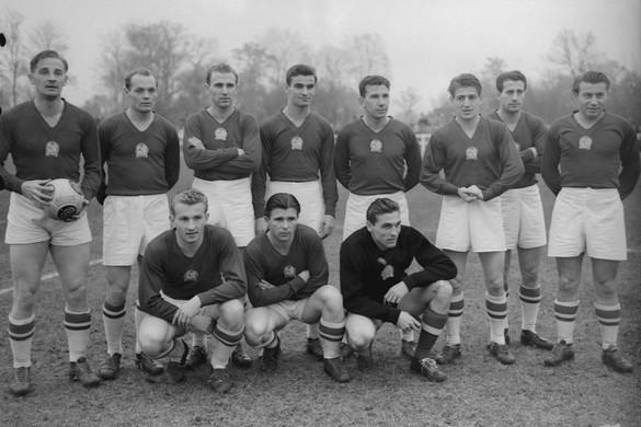 Az Aranycsapat három játékosára és az 1954-es vb-döntőre emlékeztek