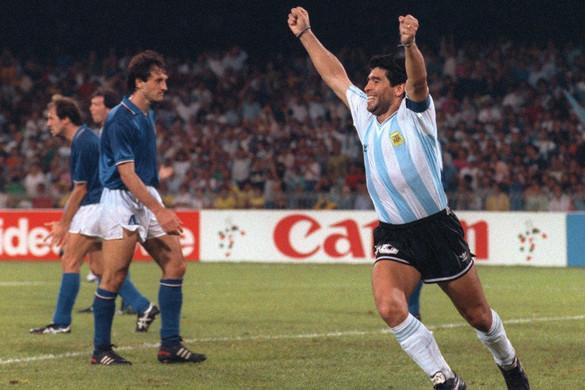 Maradona Nápolya az olaszok ellen