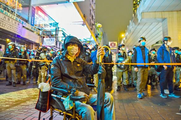 Hongkong miatt bünteti Pekinget Donald Trump