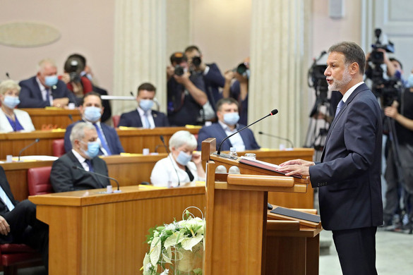 Megalakult az új összetételű horvát parlament, a képviselők ismét Gordan Jandrokovićot választották házelnöknek