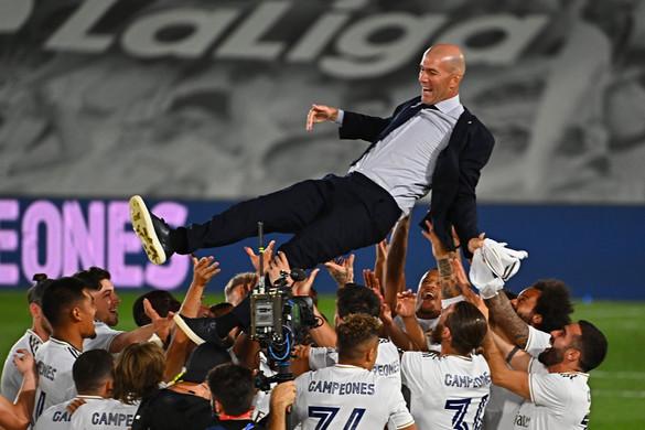 Zinédine Zidane repült