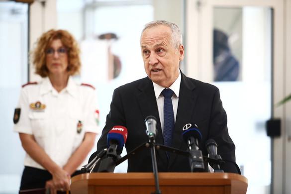 Kontrát: A kormány az utazási korlátozásokkal együtt is figyel a határ mentén élők igényeire