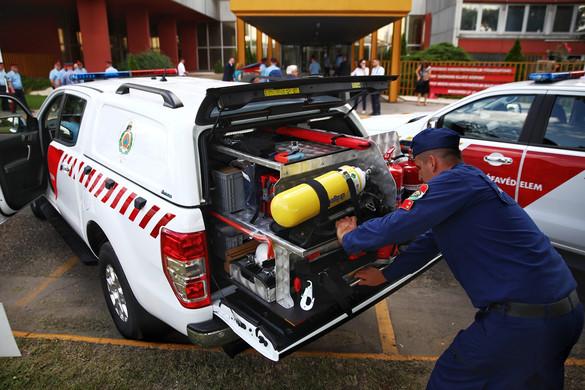 Hatvanhárom speciális járművet kapott a katasztrófavédelem