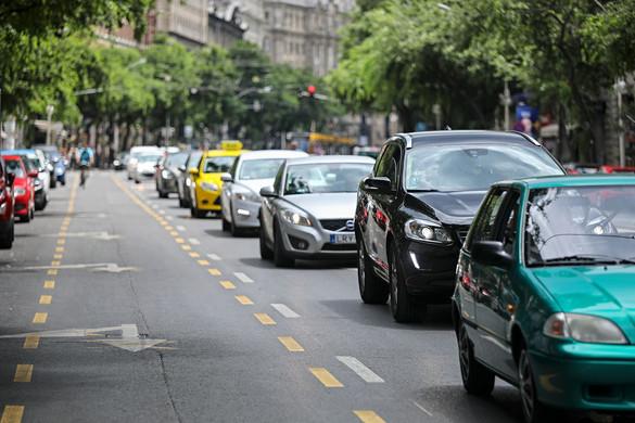 Egyre nagyobb a káosz Budapesten Karácsony átgondolatlanul kialakított kerékpársávjai miatt